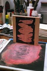 08950022-16 (jjldickinson) Tags: olympusom1 fujicolorsuperiaxtra400 roll395 promastermcautozoommacro2870mmf2842 promasterspectrum772mmuv wrigley print printmaking card laserengraving cherry wood woodblock carving mokuhanga red sandpaper longbeach