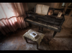 the piano with the mask (Holtix) Tags: urban abandoned lost closed place mask dr exploring piano places creepy frankenstein horror exploration abandonment decayed ue verlassen urbex klavier verfall mabuse creppy