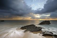 Le soleil se lve sur la plage des Yeux Ouverts ~ le d'Yeu [ Vende ~ France ] EXPLORED ! (emvri85) Tags: sun beach sunrise soleil rocks plage rochers le yeu iledyeu dyeu lesconches sescape plagedesovaires