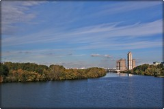 native place (Serge 585) Tags: city autumn sky naturaleza tower nature water beauty architecture canon river october wasser natural moscow september acqua architettura       moscowriver