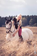 #tierliebe (Tubus112) Tags: portrait daskleinefotostudio tierliebe personen kteinsatzfotografie reiter harmonie tierfotografie outdoor 2016 canon pferd menschen