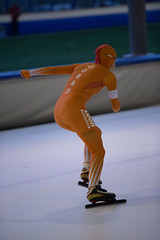 A37W7229 (rieshug 1) Tags: speedskating schaatsen eisschnelllauf skating nkjunioren knsb nkjuniorenallroundafstanden afstanden allround 50010001500massstart demeent alkmaar sportcomplexdemeent juniorenc ladies dames 500m