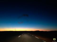 Le ciel nous offre diffrents tons de bleu (Ath Salem) Tags: algrie bchar sahara taghit dsert desert dunes sable coucher de soleil dcouverte tourisme grand erg occidental ciel calme dtente