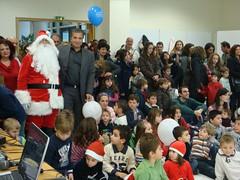 Πολλές ευχές για το νέο έτος και πλούσια δώρα δημιουργικής απασχόλησης και ψυχαγωγίας, μοίρασε ο Αη Βασίλης στη γιορτή για τα παιδιά των εργαζομένων του Δήμου Αμαρουσίου