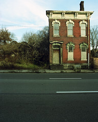1410 (michaelgoodin) Tags: street house abandoned 120 mamiya film mediumformat manchester real pittsburgh estate kodak pennsylvania chemistry pros 6x7 chateau portra 160 rb67 c41 unicolor newtopographics