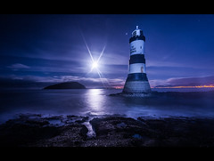BLACK POINT MOONRISE [ explored ] (wilsonaxpe) Tags: lighthouse point fullmoon moonrise puffin lunar blackpoint penmon moonrising puffinisland wilsonaxpe