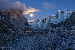 Moonrise Tunnel View (Willie Huang Photo) Tags: california longexposure winter moon snow mountains nature night landscape nationalpark scenic merced sierra yosemite yosemite