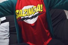 BAZINGA  (b(ia) machd ) Tags: red verde green shirt t clothing big gig theory vermelho bang camiseta sheldon roupa teoria bazinga bangue bialps bmachd
