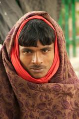 cold times @safdarjung (New Delhices) Tags: people urban india portraits soil society newdelhi inde sociology urbancommunity urbanvillage safdarjung safdarjungenclave peopleslife