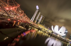 Helix Bridge and Mariana Bay (Never House) Tags: bridge hot night bay noche singapore asia helix singapur mariana noctura blinkagain