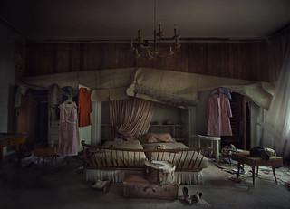 boudoir  ( explore )