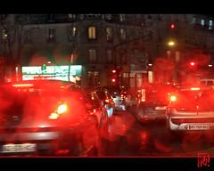 Reflets de pluie (mamnic47 - Over 6 millions views.Thks!) Tags: bus bokeh pluie voiture autobus nuit boulognebillancourt hautsdeseine photodenuit gouttesdepluie img5947 effetsdelumires effetslumineux