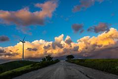 Strada Facendo (SDB79) Tags: molise ururi strada campagna tramonto colline grano nuvole