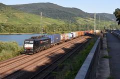 SBB Cargo 189-288 at Niederheimbach, August 17, 2016 (cklx) Tags: rhine rhein rhinevalley rijndal sbbcargo br189 containerzug containertrein containertrain niederheimbach