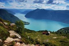 Climbing Molden (DoctorMP) Tags: norway norwegia norge lato summer gry mountains fiordy fjords lustrafjorden molden sognogfjordane