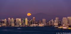 Full Moon Raise Over San Diego Bay (Shi Yu) Tags: shiyuphotographyyushiphotographysunstonephotography california sandiego places fullmoon moon middleautumn sandiegobay fullmoonraise