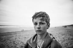 Freckles (PaxaMik) Tags: portrait portraitnoiretblanc plage beach tachesderousseur mlancolie noiretblanc noir nb sable horizon nikond610 contraste texture peau skin