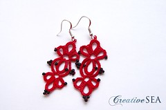CT002 (seandreea) Tags: red black earrings tatting seedbeads rosu negru frivolite cercei bumbac margelenisip