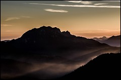 Der Tag erwacht (BM-Licht) Tags: mountain mountains berg germany bayern deutschland bavaria dawn nikon berge 1750 tamron sonnenaufgang walchensee kochelsee kochel jochberg fotokurs d7000