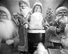 Christmas012 (tomdebiec) Tags: santa christmas blackandwhite bw holiday film blackwhite holga toycamera filmphotography christmasmuseum