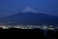 Mt.Fuji Night View (peaceful-jp-scenery) Tags: sony  fujisan   mtfuji amount fujinomiya carlzeiss    dslra900 sal2470z 900 variosonnart2470mmf28za  mtmyojyo myojyoyamapark