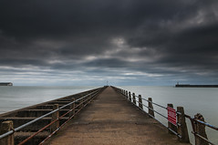 Coast to Coast (Explored) (simon.anderson) Tags: lighthouse sussex explore newhaven explored simonanderson nikon1685 nikond300s lee09ndgrad