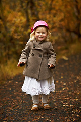 Smile! (LalliSig) Tags: pink autumn portrait people orange brown white fall smile yellow lady iceland kid blurry child bokeh young portraiture second