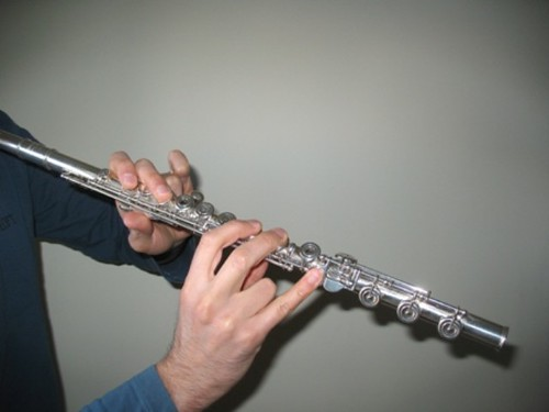 how to play d sharp on flute
