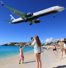 An afternoon at SXM (A Sutanto) Tags: vacation beach island us airport day afternoon sunny stmartin landing final caribbean boeing airways approach stmaarten maho sxm b757 n205uw