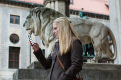 Square, Circle, Rectangle (Uwe Lischka) Tags: street portrait people color art architecture canon munich candid streetphotography 85mm uwelischka
