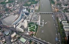 Over the Thames, 2015 (RTM Boy) Tags: waterloo londoneye riverthames housesofparliament