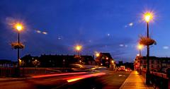 Circulation (jjcordier) Tags: fil pont auxerre yonne mouvement vitesse circulation lampadaire