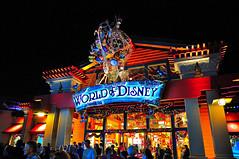 Disney Downtown (wdwSteve) Tags: world christmas nikon downtown sigma disney f28 d90 1750mm