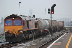 66201 arrives into Didcot working 6V38 (JMPhotography2015) Tags: station train power rail db 66 class network coal 31 didcot 60 56 tanks avonmouth ews fastline cholsey 60010 flyash 950001 60045 hinksy 6b33 6v38 jmphotography2012 6z91 shenkers