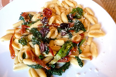 Cavatelli pasta from scratch (Carmelita Cookitaly) Tags: winter pasta primo vegetarian italianfood sundriedtomatoes cime broccolirabe pomodorisecchi cimedirapa durumwheatpasta olivetaggiasche pastafromscratch liguriaolives italiancookingclassinbologna