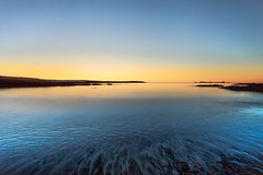 Blue Ocean. (Gulli Vals) Tags: ocean longexposure blue winter sunset orange seascape iceland 13 desember sland gulur appelsnugulur fjara bigrocks blr kjalarnes