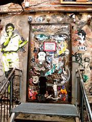 Ken Plotbot in Action (Kontext) (joy-fox) Tags: streetart berlin alias mitte tona guesswhereberlin guessedberlin streetartberlin gwbatineb korkmännchen kenplotbot