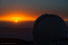 Sunset | WHT (josefrancisco.salgado) Tags: sunset orange cloud sol clouds atardecer spain nikon observatory cielo nubes santacruzdetenerife astronomy es nikkor lapalma ing canaryislands ocaso nube orm islascanarias anaranjado observatorio puestadelsol astronoma roquedelosmuchachos astronomicalobservatory observatoriodelroquedelosmuchachos roquedelosmuchachosobservatory d3s isaacnewtongroupoftelescopes 70200mmf28gvrii observatorioastrnomico 2012071330937