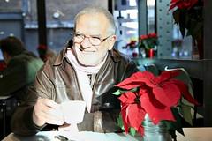 Photographers Gallery, London (Peter Denton) Tags: winter red selfportrait man male guy london coffee smile candid poinsettia middleage londonist sonrisas sorrisi photographersgallery euphorbiapulcherrima ©stevewaygood