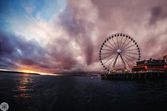 10 of 365 Seattle Great Wheel (Tanner Wendell Stewart) Tags: sunset wheel clouds project great tanner 365 hdr because a21 project365 2013 365dayphotoproject tannerstewart todaymightbe seattleferriswheel thea21campaign shoottheskies seattlegreatwheel tannerwendellstewart