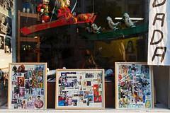 Zulimon Art Box Berlin: 100 Jahre Dada 1916-2016 (bsdphoto) Tags: berlin ausstellung exhibition kunst art dada dadaismus jubilum charlottenburg galerie dadaberlin radikalekunst knstlerischebewegung literarischebewegung zulimonartbox kunstrichtung kunstgeschichte 100jahredada kantstrase berlershaut schaufenster sonnenschein collage collagen ausenaufnahme wasserpuppen wasserpuppentheater figuren puppen kunstausstellung kunstwerke deutschland deu