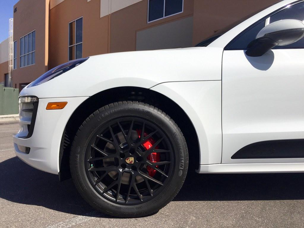 2016 Porsche Macan GTS (White)