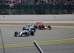 Watch out, Nico! (6079 Jones,P) Tags: formula one f1 british grand prix silverstone car racing auto motorsport lewis hamilton nico rosberg amg mercedes w07 hybrid max verstappen red bull rb12 stowe corner