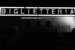 Circus Festival (Alessandra Cecchetto (Cridar)) Tags: circo roma prenestina circensi freak cridar scuola romana di fotografia e cinema bianco nero black white intimit dietro le quinte