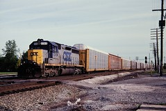 CSX 8369 at Walbridge, OH (dl109) Tags: csx sd402m