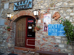 2016-08-26_07-45-09 (stegdino) Tags: bar leccio guaitoli pari petriolo pizzeria