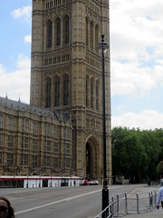 IMG_5755 (Autistic Reality) Tags: london uk unitedkingdom britain greatbritain unitedkingdomofgreatbritainandnorthernireland england architecture building structure greaterlondon innerlondon housesofparliament city westminster cityofwestminster palaceofwestminster palace parliament government capitol governmentbuilding seatofgovernment legislature charlesbarry augustuswelbynorthmorepugin augustuspugin sircharlesbarry tower victoria queenvictoria qvr victoriatower