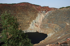 Corta Atalaya (Roco Manjn) Tags: orange silver minas huelva plata copper sulphur naranja cobre oro goldsand gossan azufre minasriotinto