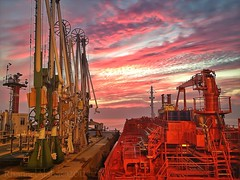 Bow Bracaria on terminal (Rhannel Alaba) Tags: sunset portugal terminal bow tanker chemical barreiro alaba rhannel bracaria