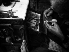 2012-12-03 14.05.38 (Keith Kwok) Tags: bw blackwhite candid tx sony snapshot streetphotography snap urbanlife shamshuipo snapphotography streetsnap 深水埗 xperia livinginthecitycity